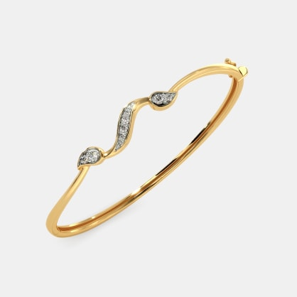 The Felicidad Oval Bangle